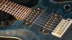 Vintage Guitar Scene: 1991 Paul Reed Smith CE 24 Whale Blue