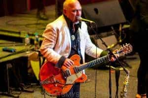 The Black Sorrows with Vika & Linda Bull