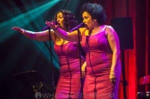Vika & Linda Bull