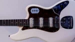 Vintage Guitar Scene: 1961 Fender Bass VI