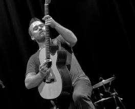 Q&A Scene: Guitarists' Special ~ Van Larkins