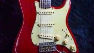 Vintage Guitar Scene: 1964 Fender Stratocaster Candy Apple Red