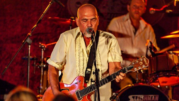 Snap Scene: The Black Sorrows, Macedon Railway Hotel, 1st March 2020