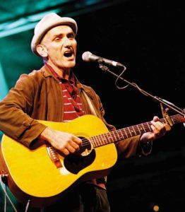 Paul Kelly. Photograph by Tony Mott