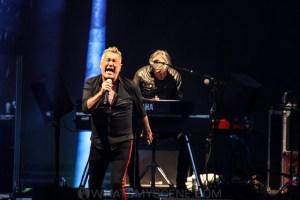 Cold Chisel, Rochford Wines, Melbourne 10th January 2020 by Paul Miles (8 of 30)