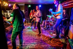 The Guitars that Ate Beaches XVII, Thirroul 8th Nov 2020 by Mandy Hall (33 of 48)