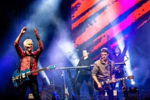 Icehouse at By the C, Catani Gardens, Melbourne 14th March 2021 by Paul Miles (59 of 73)