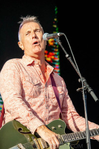 James Reyne at By the C, Catani Gardens, Melbourne 14th March 2021 by Paul Miles (32 of 35)