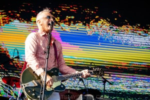 James Reyne at By the C, Catani Gardens, Melbourne 14th March 2021 by Paul Miles (3 of 35)