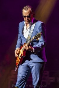 Joe Bonamassa, State Theatre Sydney 20th September 2019 by Mandy Hall  (17 of 44)