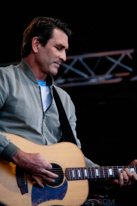 Pete Murray at By the C, Catani Gardens, Melbourne 14th March 2021 by Paul Miles (13 of 34)