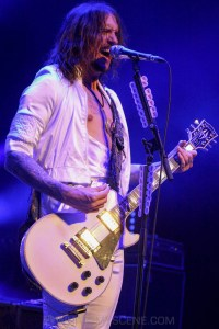 The Darkness, Forum Theatre, Melbourne 14th March 2020 by Paul Miles (24 of 40)
