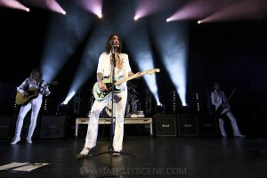 The Darkness, Forum Theatre, Melbourne 14th March 2020 by Paul Miles (8 of 40)